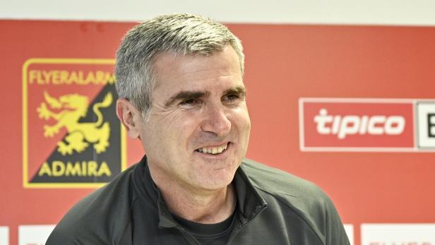FUSSBALL: FC FLYERALARM ADMIRA TRAINER: SOLDO