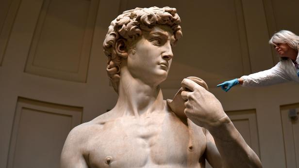 TOPSHOT-ITALY-ART-SCULPTURE-DAVID