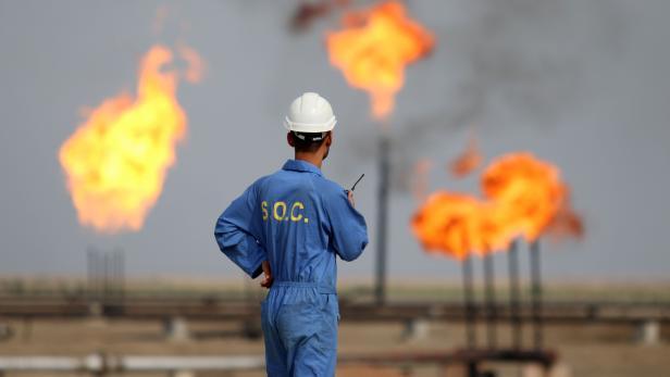FILES-IRAQ-OIL-ECONOMY-HEALTH-VIRUS