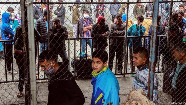 Blick auf ein Migrantenlager in Lesbos