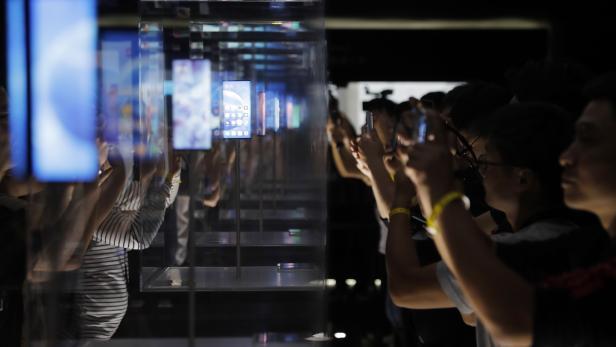 Xiaomi launches new 5G smartphones in Beijing