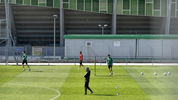 CORONAVIRUS - FUSSBALL TIPICO BUNDESLIGA: TRAININGSAUFTAKT SK RAPID WIEN
