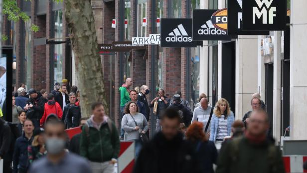 Shoppers at the city center of Hamburg