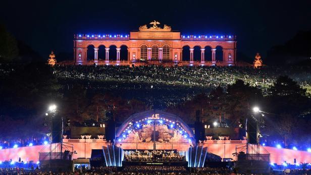 Sommernachtskonzert im Schlosspark Schönbrunn in Wien