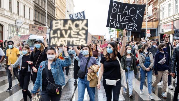 Anti-Rassismus: Kirchenprotest gegen Vandalismus bei Wiener Demo ...