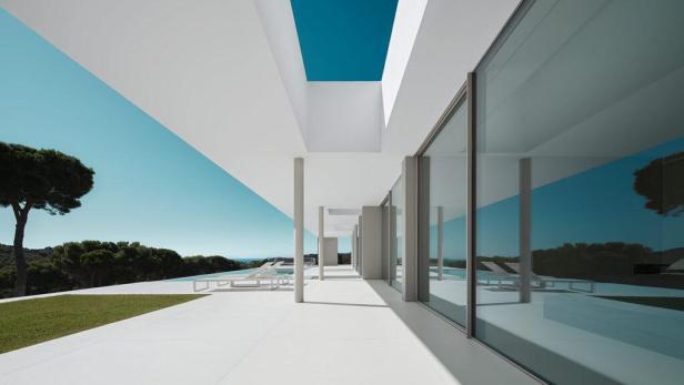 S_1_Mathieson_Costa-Brava-House-02-1024x576