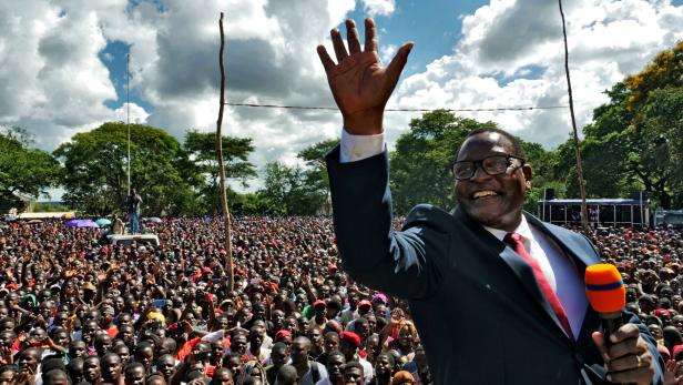 FILE PHOTO: Opposition Malawi Congress Party leader Lazarus Chakwera addresses supporters after a court annulled the May 2019 presidential vote in Lilongwe