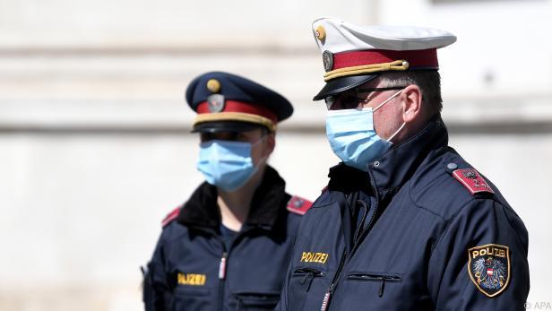 Die Polizei soll u.a. Krankheitssymptome erfragen