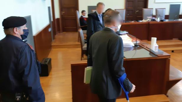 LINZ: PENSIONISTIN IN NÖ GETÖTET - PROZESS GEGEN BANKER