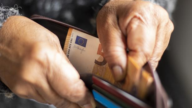 Money - Euro - Payment - Wallet with cash and cards