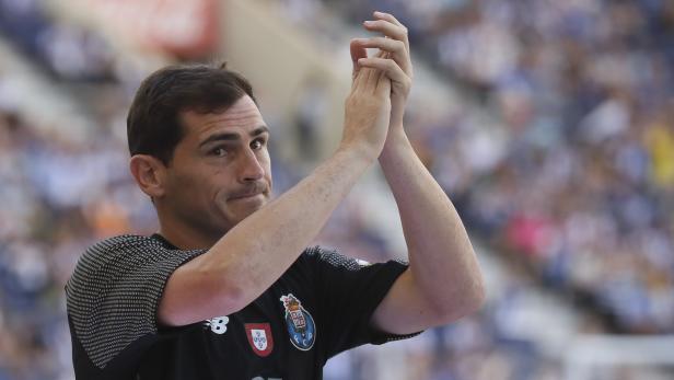 Iker Casillas retires