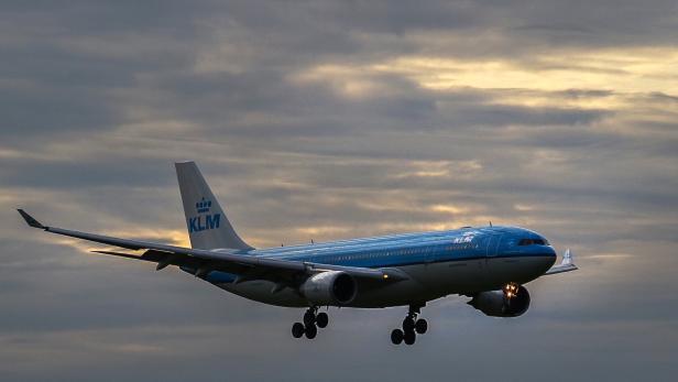 FILES-NETHERLANDS-HEALTH-VIRUS-AVIATION-TRANSPORT-AIR-KLM