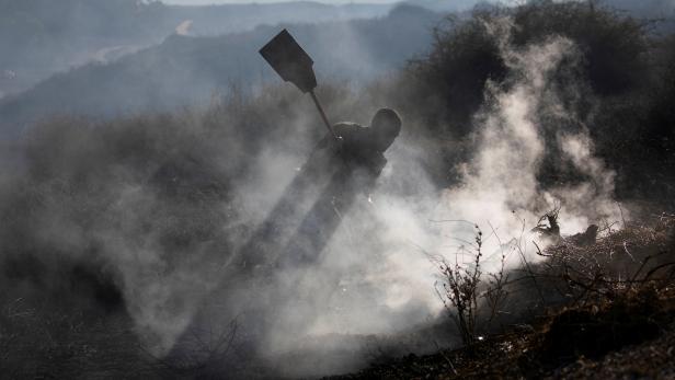 Dousing the flames: Israel battles Gaza fire balloons blazes