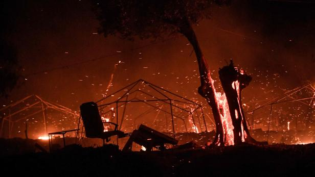 GREECE-EUROPE-CAMP-FIRE-MIGRANTS-migration