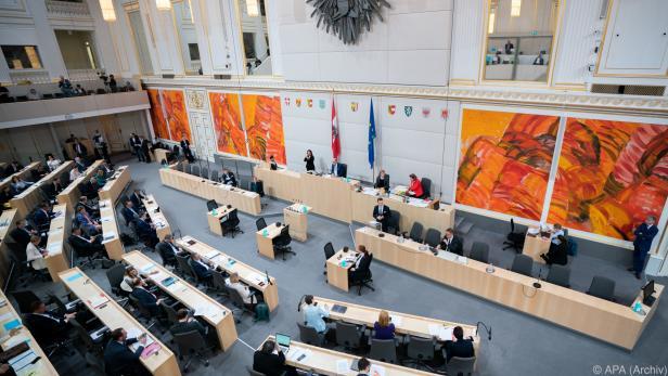 Forderung nach stärkerer Einbindung des Parlaments