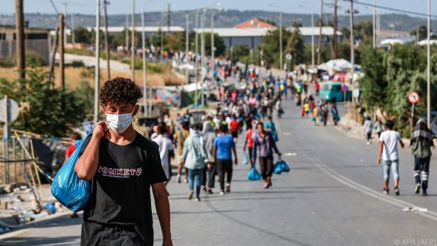 12.000 Migranten sind nach einem Brand obdachlos geworden