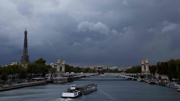 FRANCE-WEATHER-ARCHITECTURE