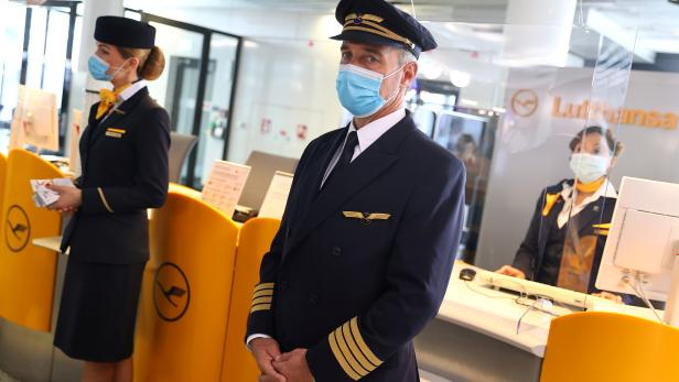 FILE PHOTO: Outbreak of the coronavirus disease (COVID-19) in Frankfurt