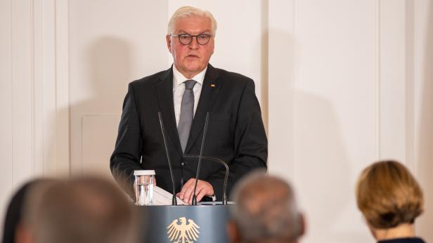 German Federal president receives relatives of the victims from Hanau terror attacks in Berlin