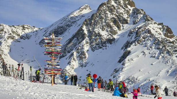 Post with directions to the ski slopes in the Austrian Alps, Ischgl