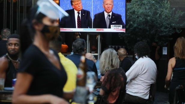 US-AMERICANS-ACROSS-THE-NATION-WATCH-FIRST-PRESIDENTIAL-DEBATE