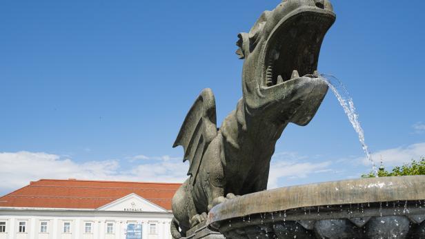 Der Lindwurmbrunnen in Klagenfurt