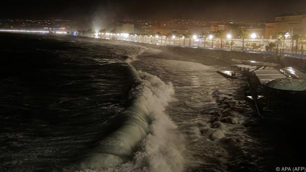 Gefährliche Flutwellen bedrohen Nizza