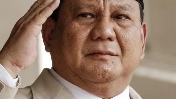 Indonesian Defense Minister Prabowo Subianto visits Malaysia