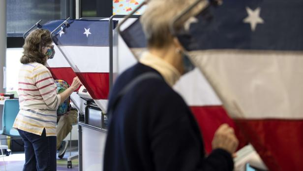 US-EARLY-VOTING-BEGINS-IN-TENNESSEE