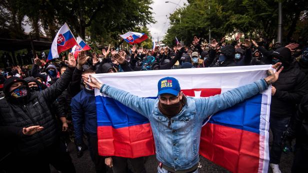 SLOVAKIA-POLITICS-HEALTH-VIRUS-DEMO