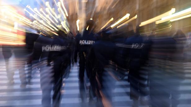 THEMENBILD: POLIZEI / SICHERHEIT / EXEKUTIVE