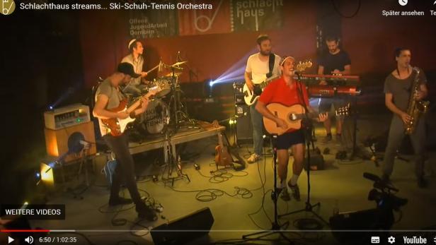 """Screenshot aus einem Konzert-Stream des """"Ski-Schuh-Tennis-Orchestra"""""""