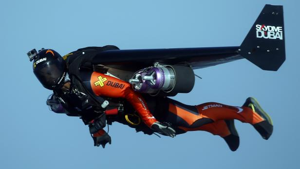 Jetman Vince Reffet dies at 36