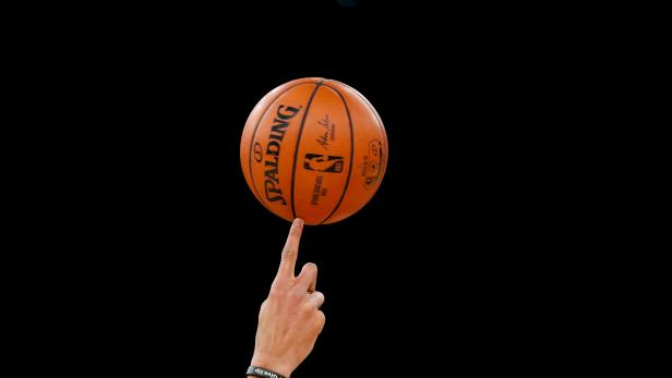 Milwaukee Bucks training ahead of the NBA Paris Game 2020