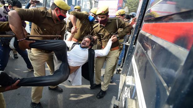 INDIA-POLITICS-ECONOMY-AGRICULTURE-PROTEST