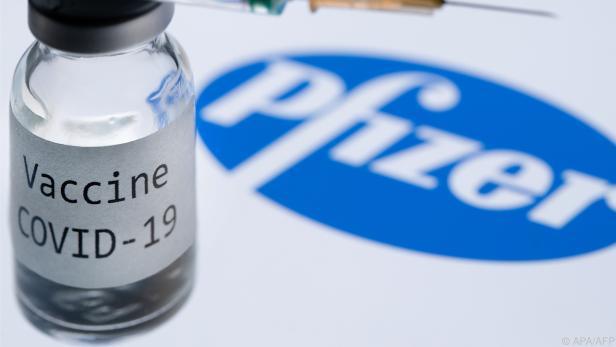 Impfstoff wird von Pfizer und Biontech produziert