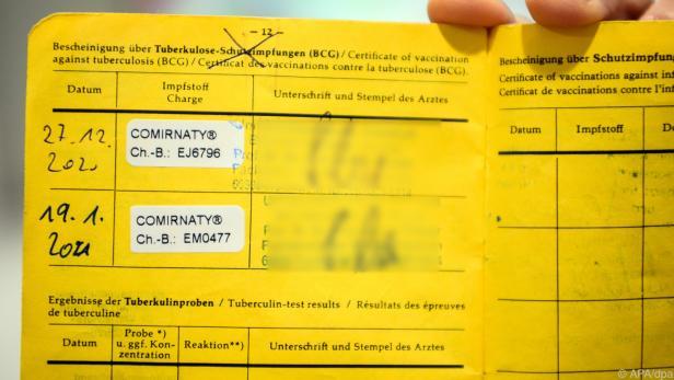 Der gelbe Impfpass sollte mit dem E-Impfpass bald Geschichte sein