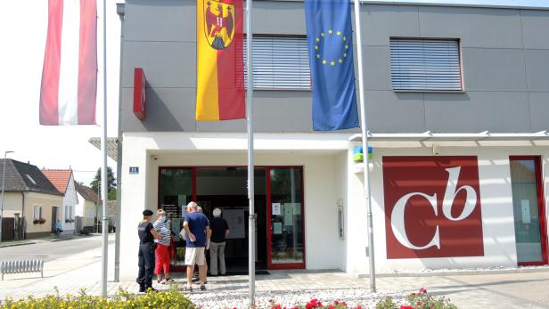 Alt-Landeshauptmann Niessl wird im Commerzialbank-U-Ausschuss befragt