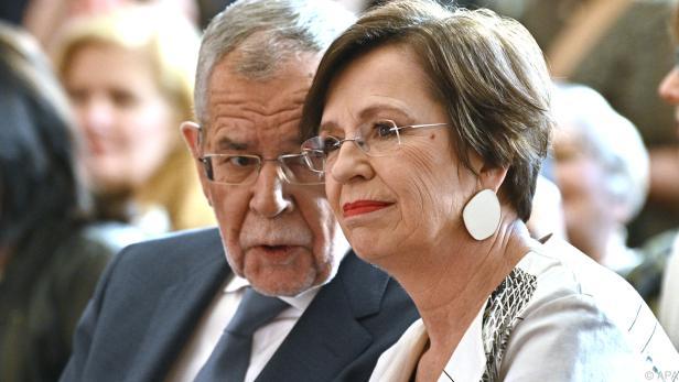Bundespräsident Van der Bellen mit seiner Frau Doris Schmidauer