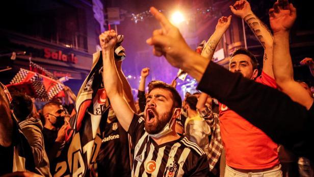 Besiktas fans celebrate winning the Turkish Super Lig