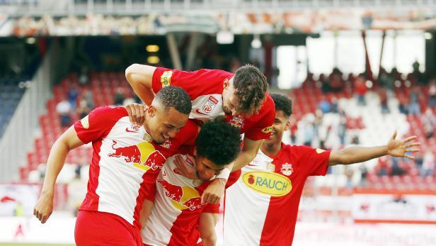 FUSSBALL: TIPICO BUNDESLIGA / MEISTERGRUPPE:  RED BULL SALZBURG - WSG SWAROVSKI TIROL