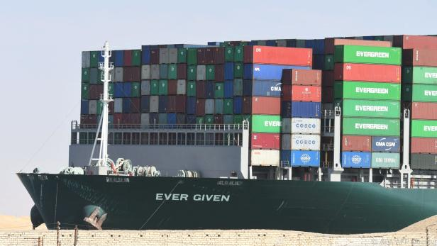 """Containerschiff """"Ever Given"""" blockierte im März den Suezkanal"""