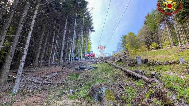 Cable car accident near Lake Maggiore in northern Italy
