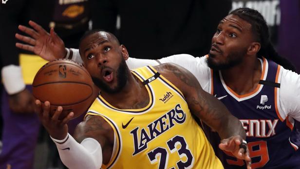 Phoenix Suns at Los Angeles Lakers