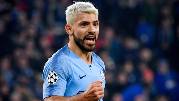 Kun Aguero signs with Barcelona on free transfer