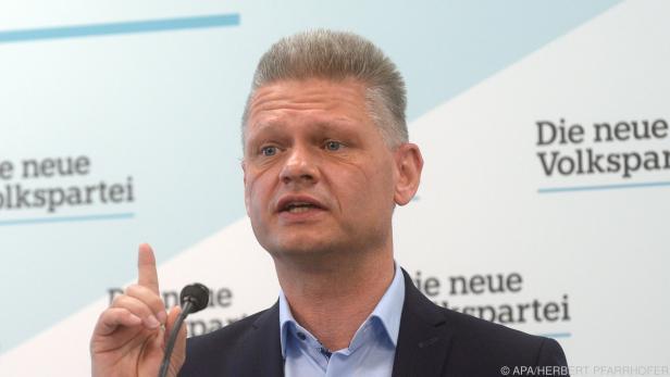 ÖVP-Mandatar Hanger rügt NEOS wegen Akten-Weitergabe