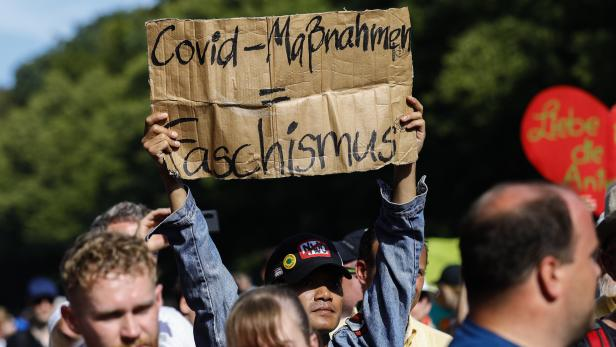 Demonstration against social and economic measures by Coronavirus pandemic