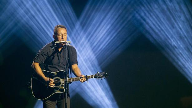 FILES-CANADA-US-ENTERTAINMENT-MUSIC-SPRINGSTEEN