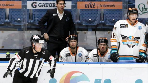 Eishockey, iClinic Bratislava Capitals - Black Wings Linz