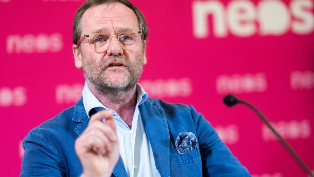 "PK NEOS ""POLITISCHE KONSEQUENZEN NACH BEKANNTWERDEN DER KURZ-SCHMID-BLÜMEL-CHATS"": SCHELLHORN"